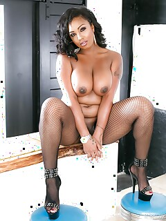 Hot fatty Layton Benton in lace lingerie baring mature ebony ass in fishnet