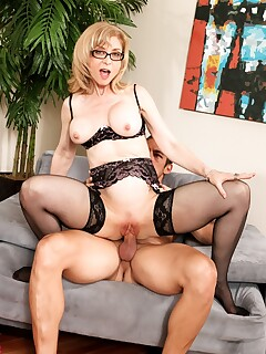 Sexy older woman Nina Hartley drips jizz from her tongue