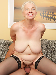 Mature Pictures Featuring 60 Year Old Winnie Anderson From AllOver30