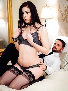 Amber Nevada Masturbates Before Fucking