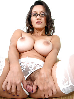 Anilos.com - Freshest mature women on the net featuring Anilos Persia Monir milf porn