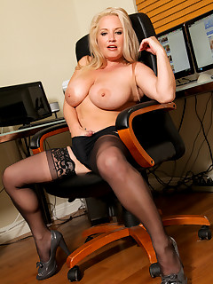 Anilos.com - Freshest mature women on the net featuring Anilos Rachel Love blonde anilos