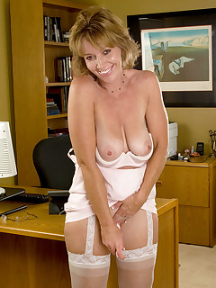 Anilos.com - Freshest mature women on the net featuring Anilos Samantha Stone anilos post