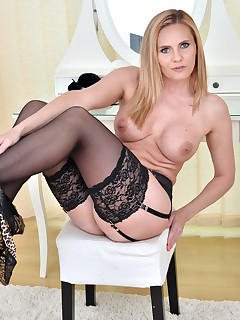Anilos.com - Freshest mature women on the net featuring Anilos Lili Peterson lady mature