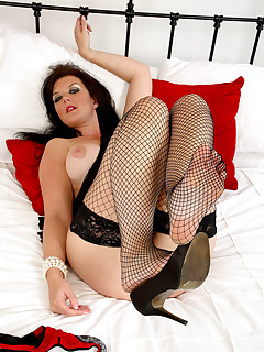 Anilos.com - Freshest mature women on the net featuring Anilos Vixen busty anilos