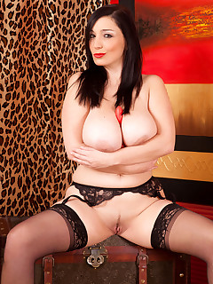 Anilos.com - Freshest mature women on the net featuring Anilos Michelle Bond big boob anilos