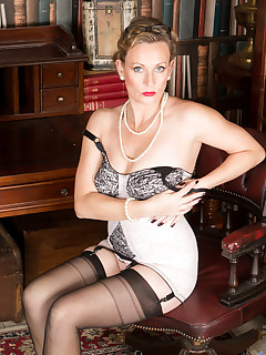 Anilos.com - Freshest mature women on the net featuring Anilos Mrs Huntingdon Smythe anilos