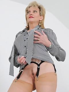 Lady Sonia - Lady Sonia Gio Nylons And Big Nipples