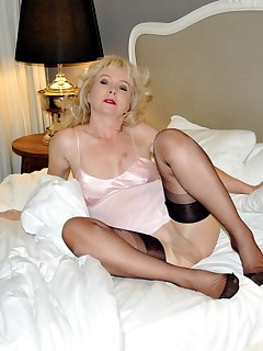 NylonSue   nylonsue.com   elegant mature model with a nylon fetish