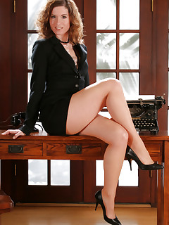 Pantyhose MILF secretary
