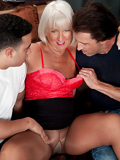 60 Plus MILFs - Jeannie Lou's DP sandwich - Jeannie Lou, Rocky, and Tony D'Sergio (46 Photos)