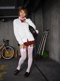 Sexy teen Rui Hazuki poses in short skirt out   Japan HDV