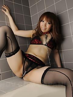 Nasty Asian girl Momoko Aiuchi loves posing | Japan HDV
